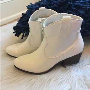 White Cowboys Boots Ankle Booties Western Womens 8